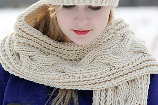 Fish_moderne_scarf_cover_the_knitting_vortex_small2