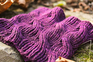 Laura_cowl_cover_the_knitting_vortex_small2