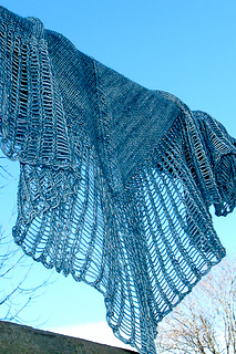 Arachnoshawl_tml_blue_sky_the_knitting_vortex_small2