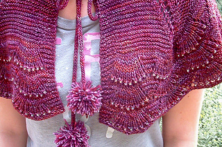 Escallop_capelet_cover_the_knitting_vortex_small2