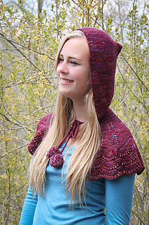 Escallop_capelet_project_hood_small2
