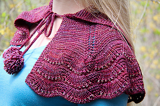 Escallop_capelet_project_shoulder_detail_small2