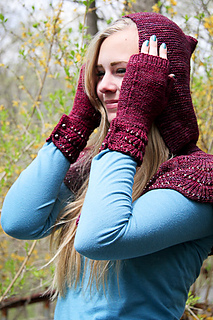 Escallop_mitts__cape_the_knitting_vortex_small2