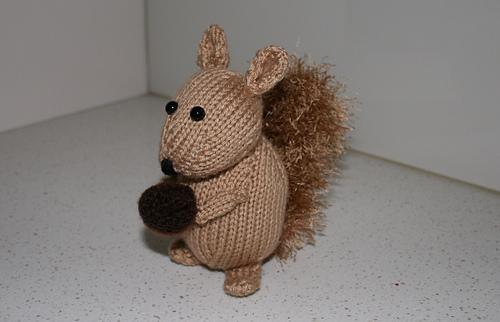Squirrel_sidish_rect_medium