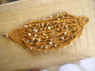 Bead-ch-bracelet-flat_small2