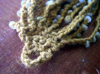 Bead-ch-bracelet-hole_small2