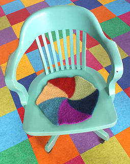 Swirly_twirly_chair_pad__2_for_webpage_small2