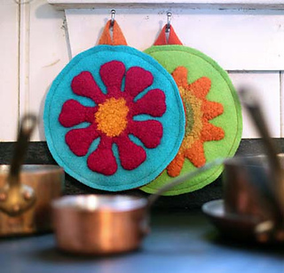 Potholder_hanging_on_wall_blog_small2