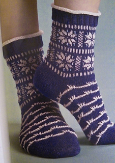 Winterscape_knit_socks_small2