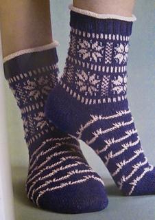 Winterscape_knit_socks_small2