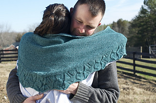 Etna_shawl_hug_small2