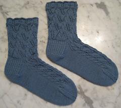 Lace_leaf_socks_small