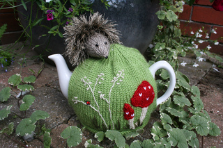Hedgehogteacosy_018_small2