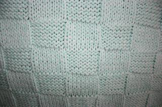 Mary_maxim_baby_blanket_-_close_up_small2
