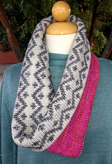 Drew_cowl_and_pink_fizz_pattern_photos_2013_022_small2
