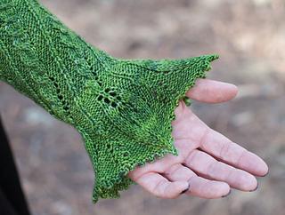 Eglantine-sleeves_detail1_small2
