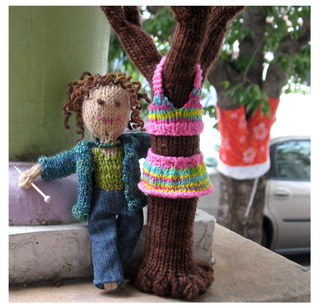 Knit_sue_and_tree_small2
