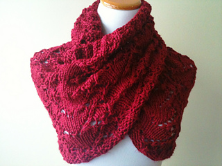 I_give_you_my_heart_cowl_in_red_040_small2