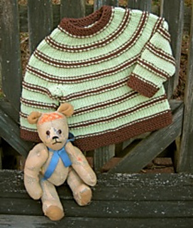 Two_color_stripes_baby_sweater_small2