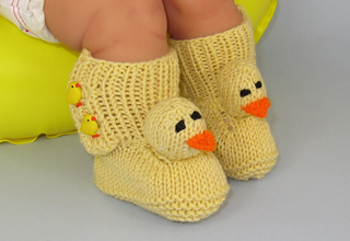 Baby_chick_booties1_small2
