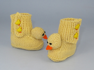 Baby_chick_booties5_small2