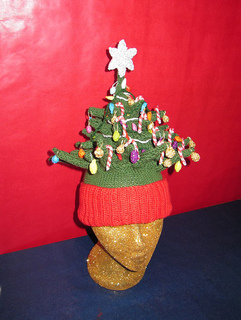 Christmas_tree_beanie_a_small2
