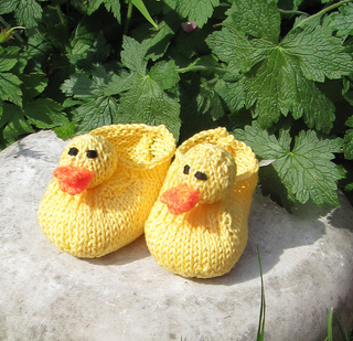 Baby_rubber_duck_shoes4_small2