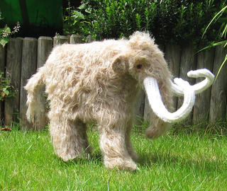 Mammoth_woolly_mammoth_by_madmonkeyknits1_small2
