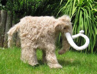 Mammoth_woolly_mammoth_by_madmonkeyknits2_small2