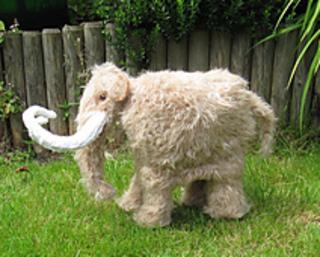 Mammoth_woolly_mammoth_by_madmonkeyknits4_small2