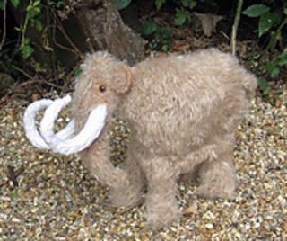 Mammoth_woolly_mammoth_by_madmonkeyknits6_small2