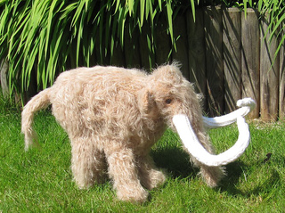 Mammoth_woolly_mammoth_by_madmonkeyknits10_small2