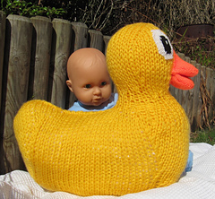 Giant_rubber_duck_toy_by_madmonkeyknits3_small
