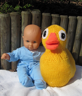 Giant_rubber_duck_toy_by_madmonkeyknits8_small2