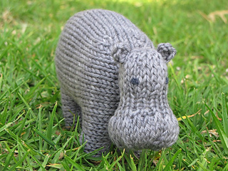 Hippo_knitting_pattern_small2