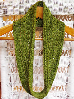 Emerald_isle_cowl_5_small2