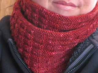 Moulin_rouge_cowl_small2