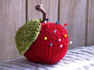 Apple_pincushion_small2