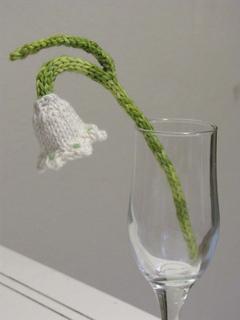 Snowdrop_in_glass2_small2