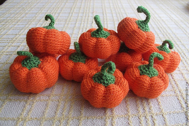 Free Easy Halloween Crochet Patterns : When they live their own lives...: Free crochet pumpkin ...