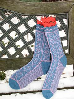 Blue-pink_socks_small2
