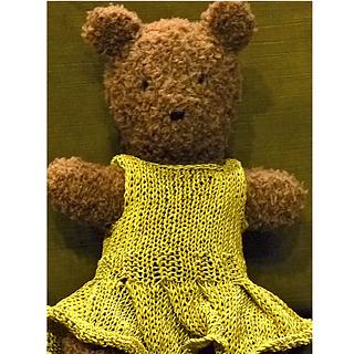 Bear_in_dress_small2