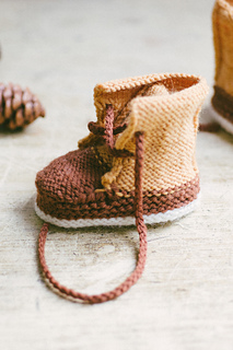 Quince-co-baby-duck-booties-meagan-anderson-knitting-pattern-finch-chickadee-1_small2