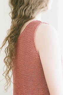 Quince-co-tamsin-dawn-catanzaro-knitting-pattern-kestrel-2_small2