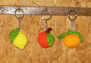 Crochet_fruit_keychains__small_small2