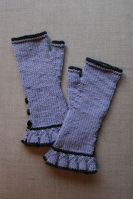 http://www.ravelry.com/projects/misshendrie/belle-ruffle-gloves