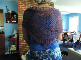 Knitting_-_mayday_shawl_006_small2