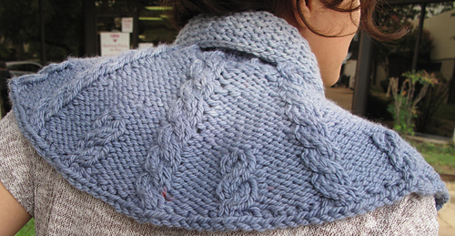 Ravelry: Claires Cabled Capelet pattern by Annie Modesitt