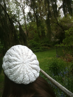 Lace_ribbon_hat_back_small2