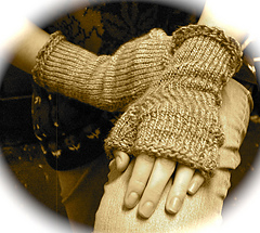 Finished_gloves_1_medium2_small